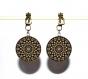 Boucles d'oreilles clips bronze avec cabochons synthétiques * motifs sur fond noir *