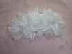 Peigne coiffe mariage, fleurs blanches en satin et perles