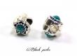Perle charm style pandora, en métal avec fleurs, et strass turquoise transparent - m76