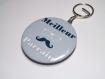 Porte clef badge avec décapsuleur au dos 58mm,meilleure parrain , moustache ,cadeau bapteme, anniversaire (personnalisable)