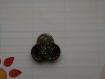 "Bouton en resine ""fleur paillettes anis & chocolat"" - moyen format"