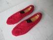 Chaussons femme, 38/40, laine majoritaire, tricotés main. rouge.