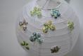 Suspension boule en papier décorée papillons et fleurs japonaise