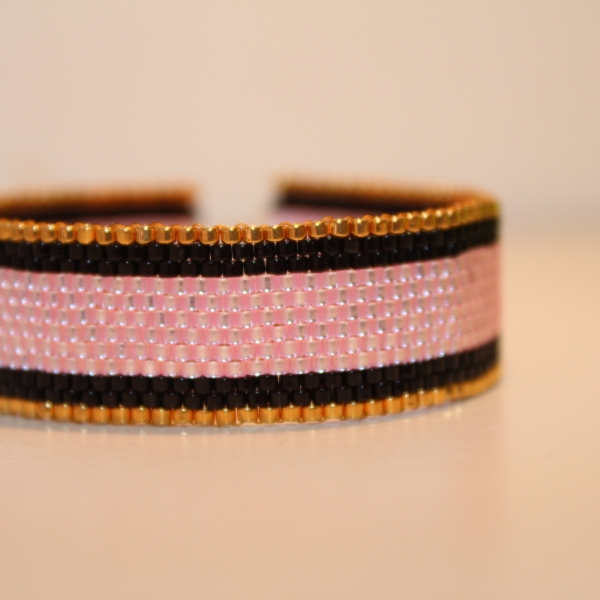 grande sélection sur les images de pieds de chaussure Bracelet manchette or noir et rose tissage peyote en perles ...