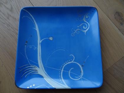 Pensez à vos cadeaux de noël : joli plat bleu pour servir chocolats