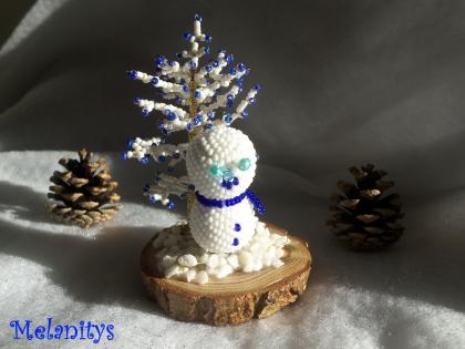 Décoration bonhomme de neige et sapin bleu et blanc