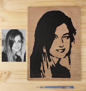 Réalisation cadre en bois sur model photo