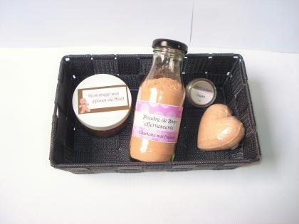 Coffret personnalisable - essentiel bien-être - assortiment : bombe de bain, gommage, baume à lèvres, etc - personnalisable