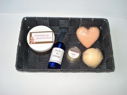 Coffret personnalisable - homme ou femme - assortiment : bombe de bain, gommage, baume à lèvres, etc - personnalisable