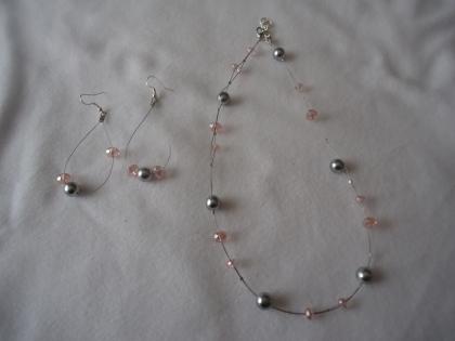 Parure en cristal avec collier et boucles d'oreilles