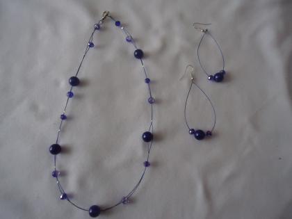 Ras-de-cou  et boucles d'oreilles avec perles givrées