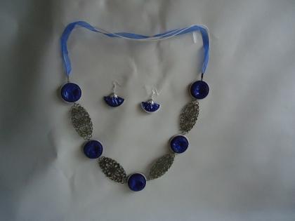 Sautoir et boucles d'oreilles capsules nespresso bleu électrique