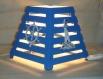 Lampe de table en bois: marine.