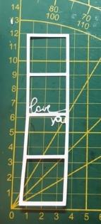 Scrapbooking découpe d'un cadre photo love you