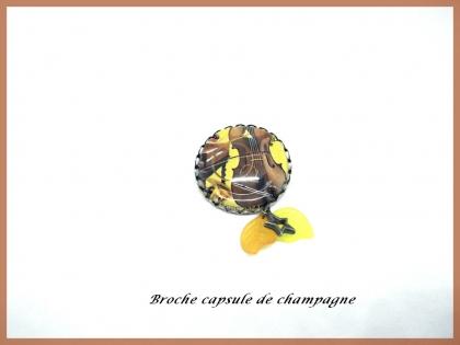Broche bijou fantaisie originale en métal bronze capsule de champagne contrebasse,violon,piano,instruments de musique marron jaune
