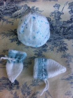 Bonnet et moufles pour prématuré