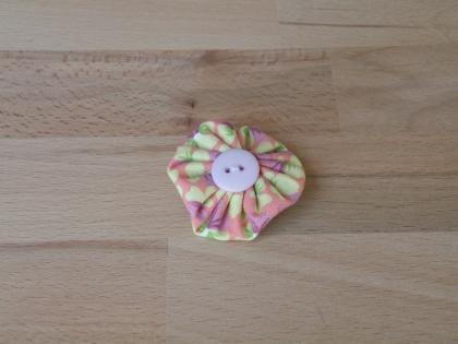 Br 020 broche yoyo coloré modèle 3