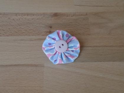 Br 023 broche yoyo coloré modèle 6