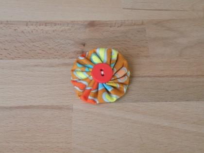 Br 025 broche yoyo coloré modèle 8