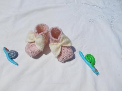Chaussons bébé noeud rose et blac