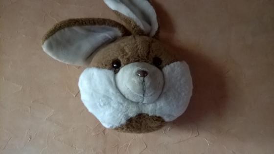 Trophée lapin en peluche grand modèle pour décoration