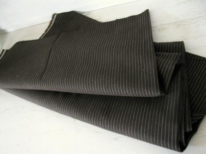 Coupon de tissu vintage  belle fabrication de cotonnade marron à rayure. tissé. il mesure 150cm x 120cm. en parfait état.