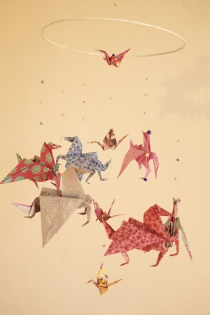 Mobile en origami suspension en spirale chambre enfant bébé oiseaux animaux pégase grue bebe multicouleur