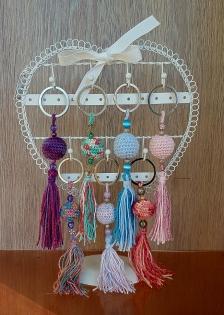 Porte clés boule au crochet