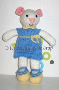 Iphigénie, doudou souris en tricot