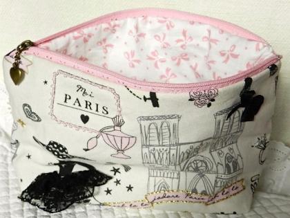 """Pochette molletonnée en tissu imprimé """"la parisienne"""""""