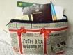 "Pochette molletonnée en tissu imprimé ""journal"""