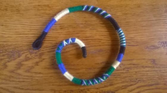 Athébas amovible en laine à quatre couleurs 45cm