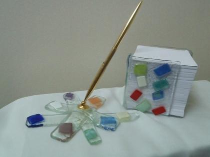 Porte stylo / bloc note assortis en verre
