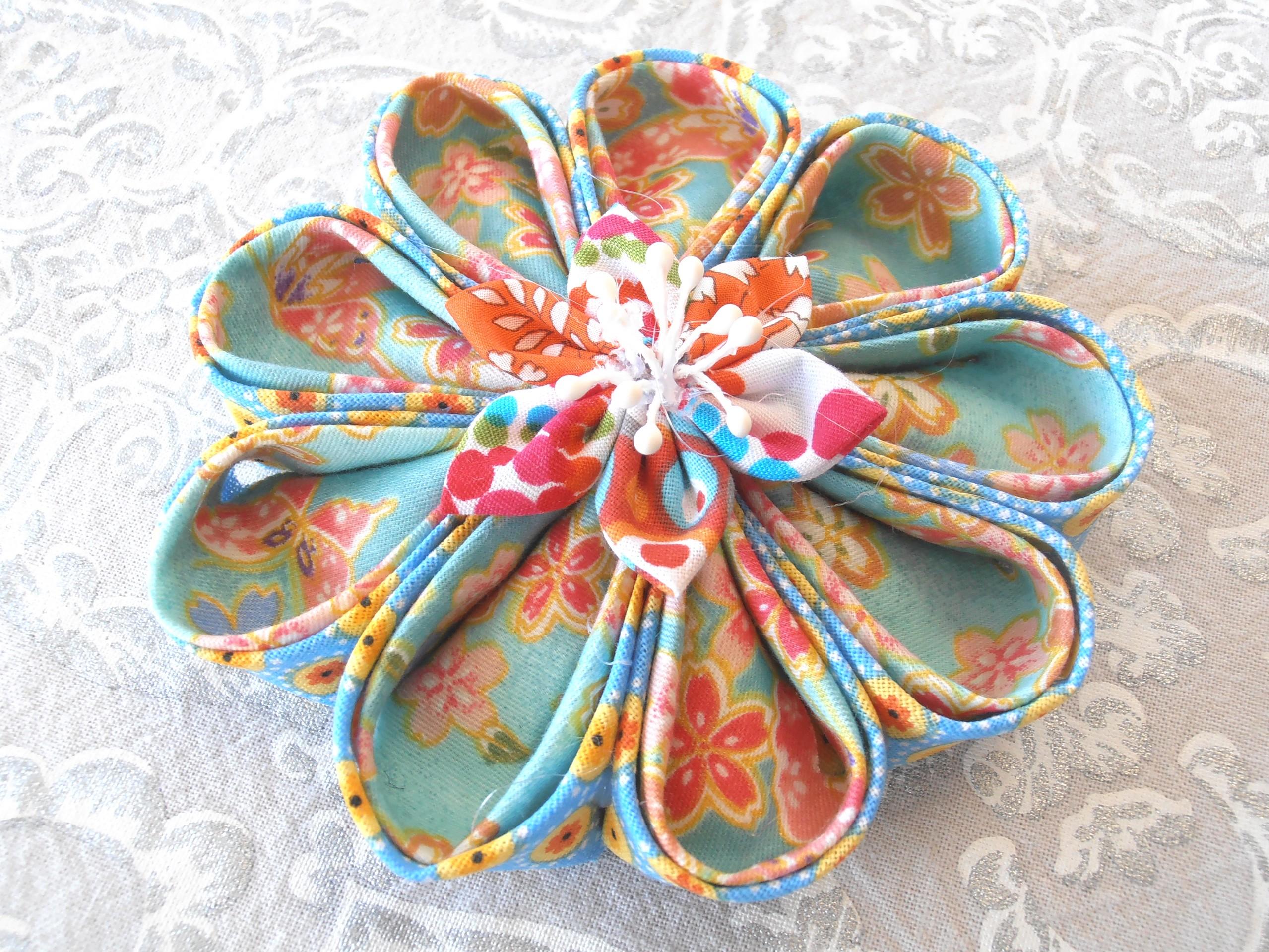 Grande fleur kanzashi couleur vert d 39 eau objets deco par for Objet deco couleur