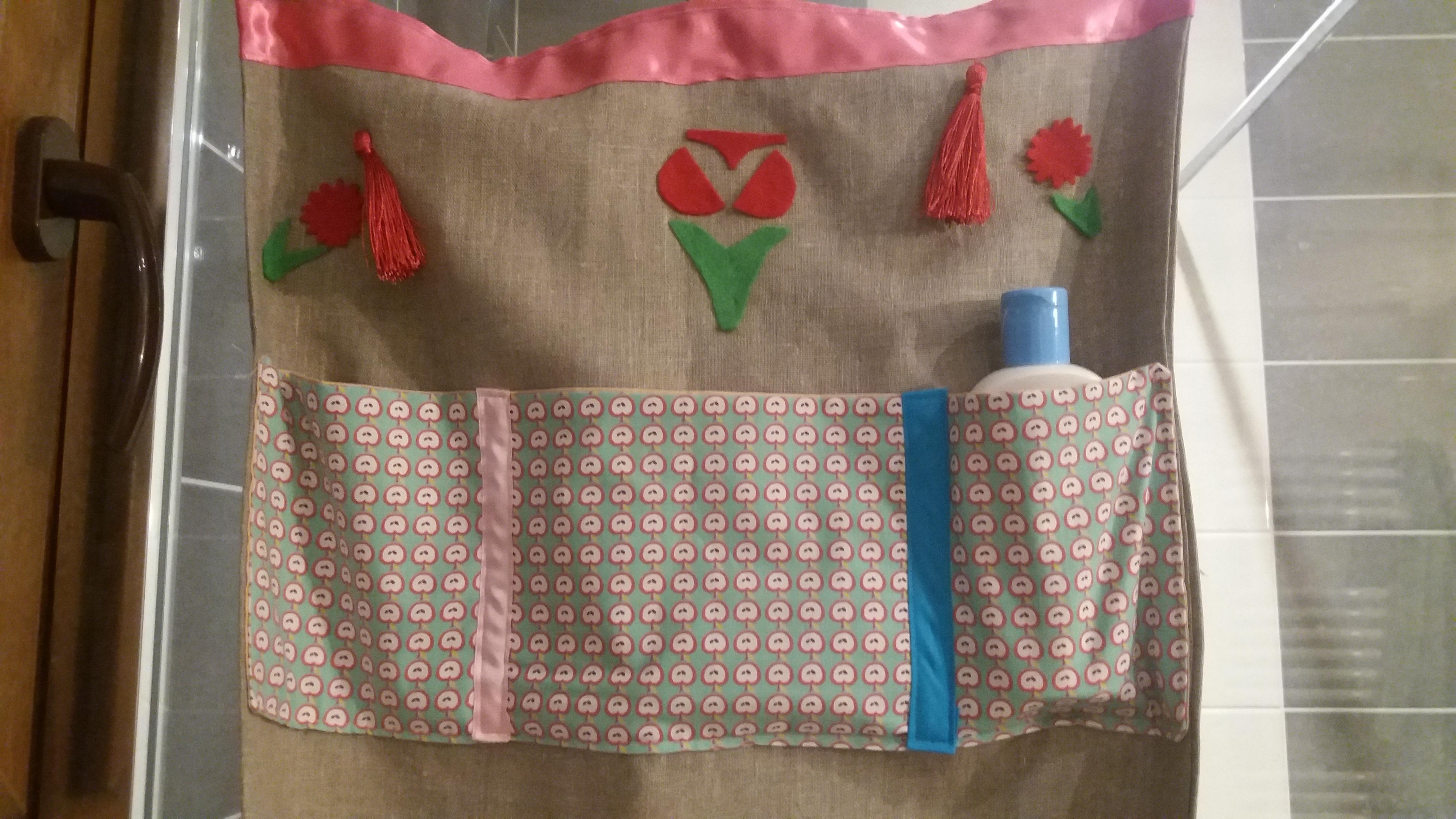 Panneau de rangement mural : accessoires-enfant par lespetitesmainsdelilou