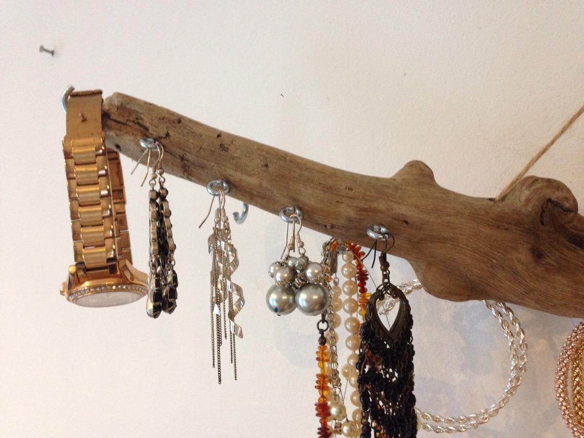 port bijoux en bois flott bijoux de sac par deleaualalumiere. Black Bedroom Furniture Sets. Home Design Ideas