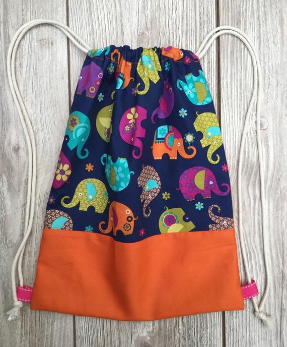 sac dos pochon pour enfants l phants multicolores et orange. Black Bedroom Furniture Sets. Home Design Ideas