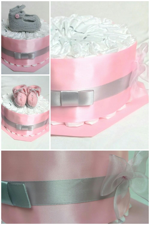 Gateau de couches rose et gris
