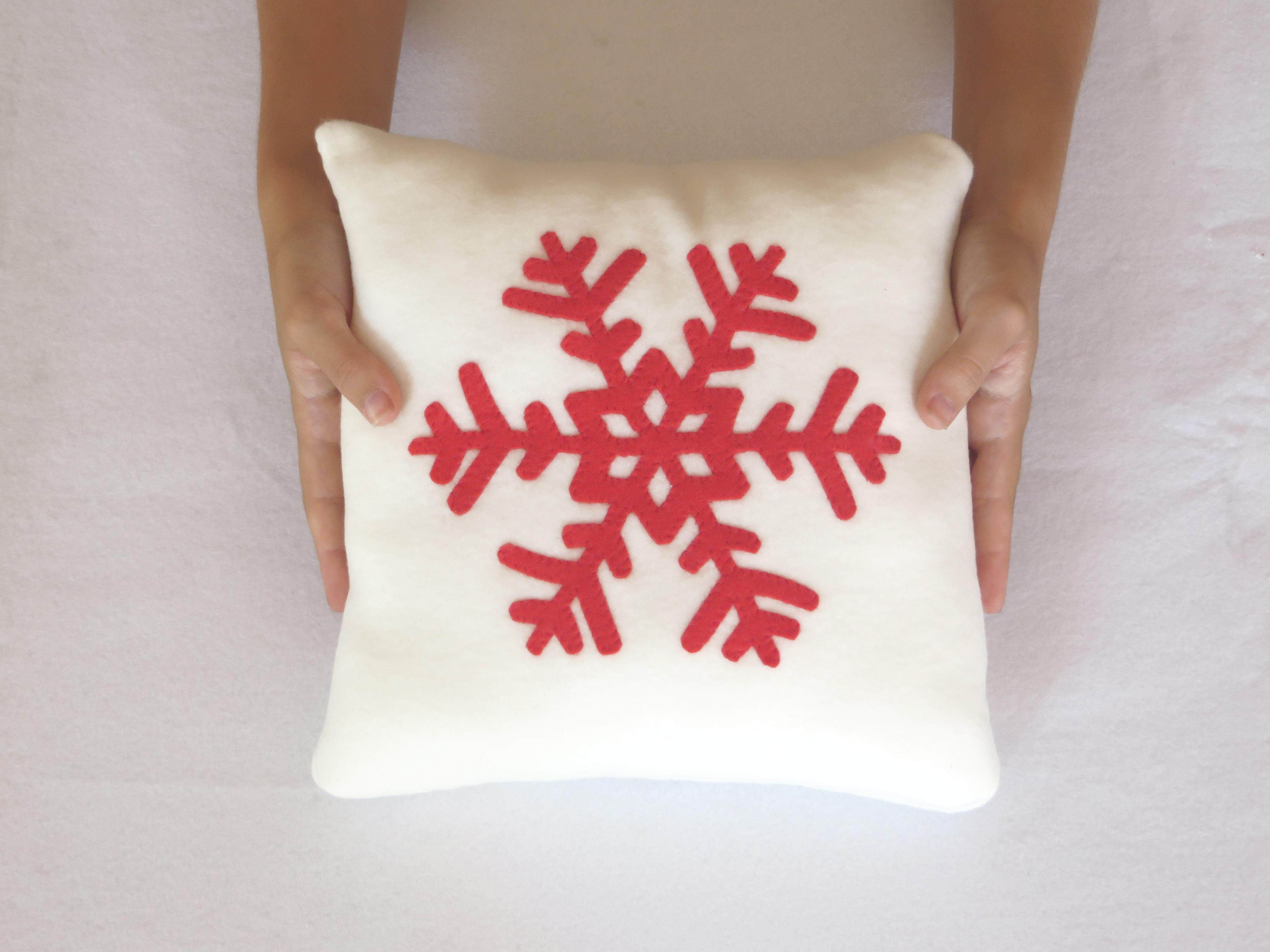 coussin noel flocon de neige coussin deco noel deco coussin decoratif noel cadeau noel. Black Bedroom Furniture Sets. Home Design Ideas