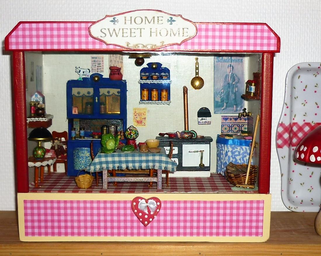 vitrine miniature de cuisine une pi ce unique objets deco par countryspirit. Black Bedroom Furniture Sets. Home Design Ideas