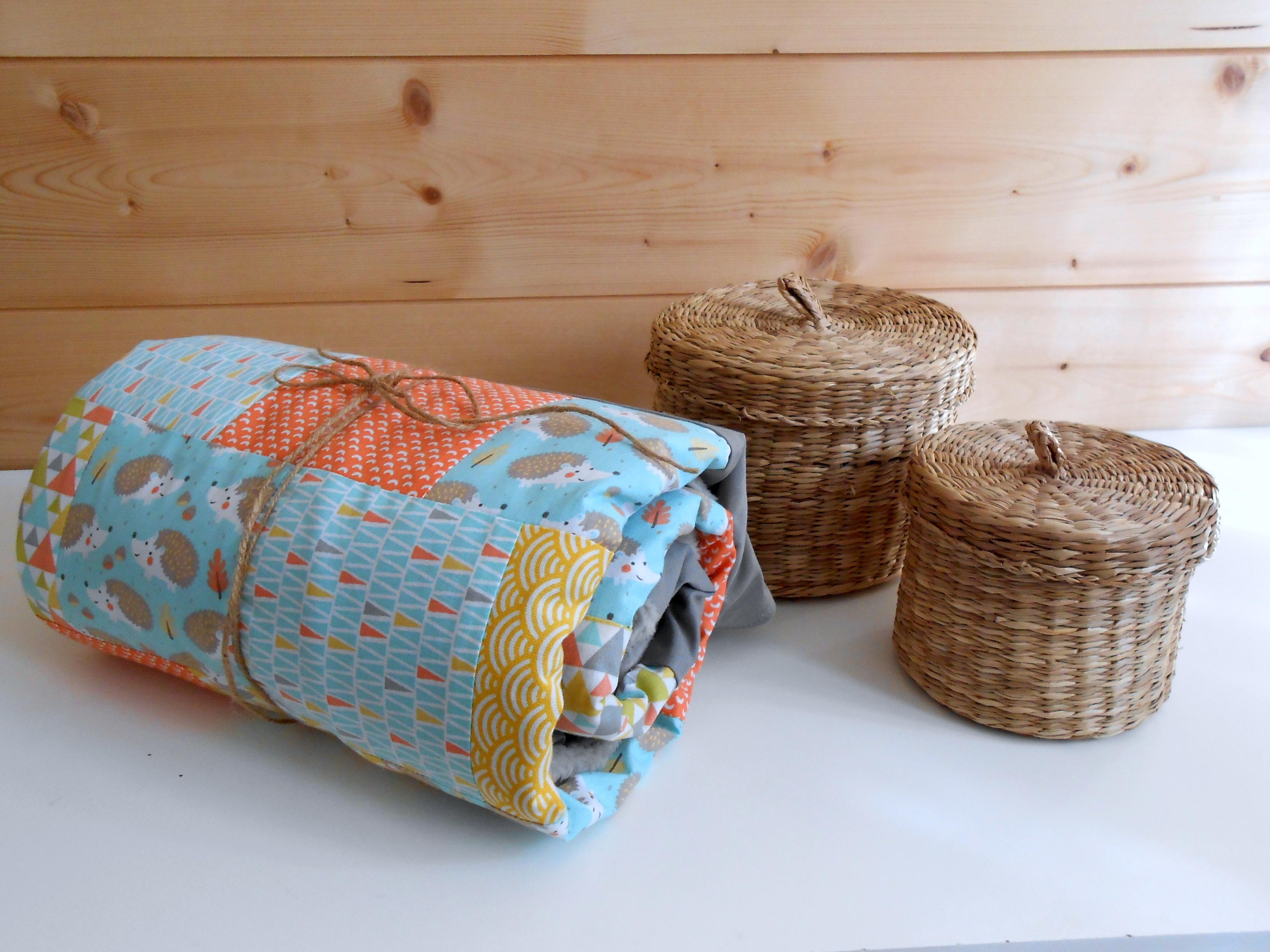 couverture b b patchwork motif h risson et scandinave plaid b b enfant mixte accessoires. Black Bedroom Furniture Sets. Home Design Ideas