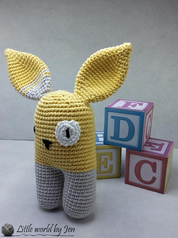 Patron Crochet Amigurumi : Petit lapin à bandana – Made by Amy | 768x576