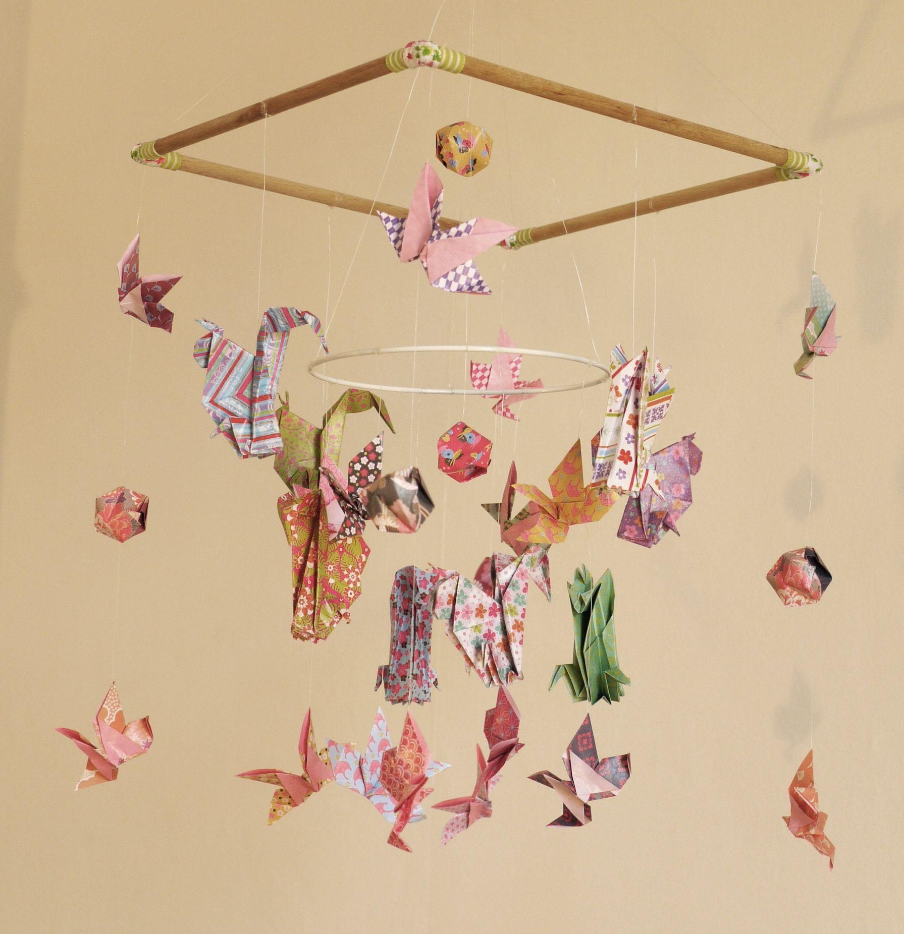 mobile bebe bois suspension chambre enfant b b en origami. Black Bedroom Furniture Sets. Home Design Ideas