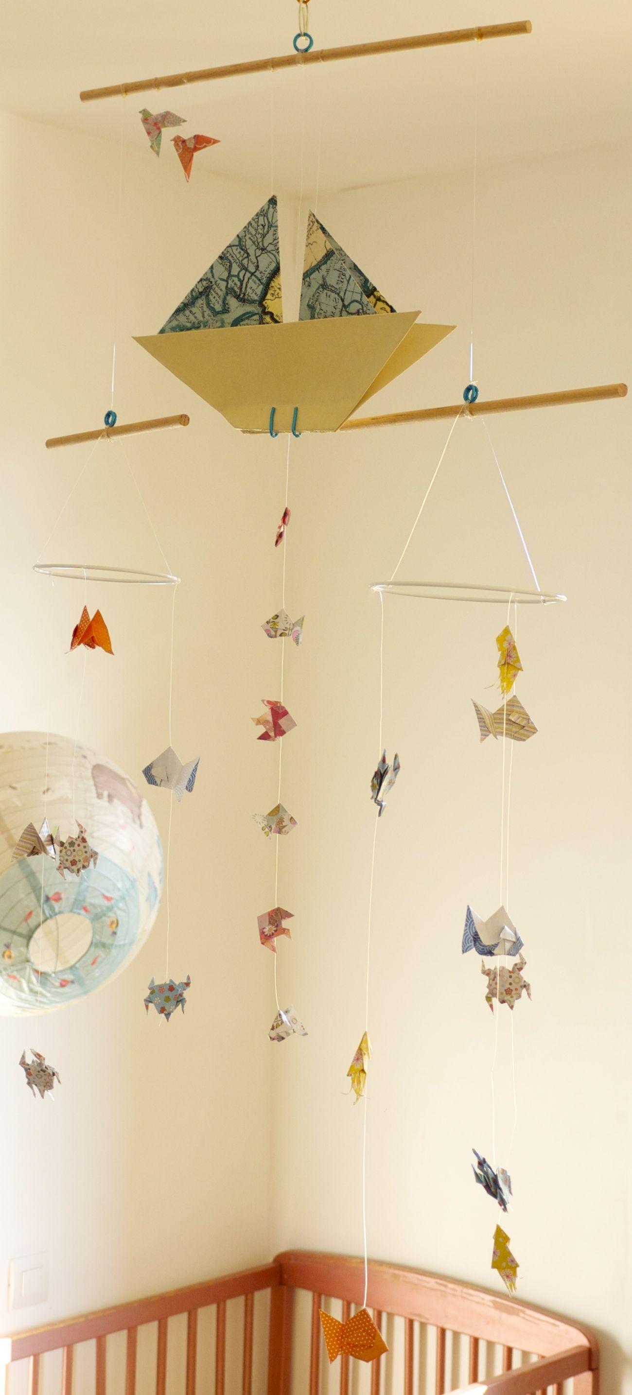 mobile b b origami suspension en bois chambre enfant bateau voilier poisson m duse babyshower. Black Bedroom Furniture Sets. Home Design Ideas
