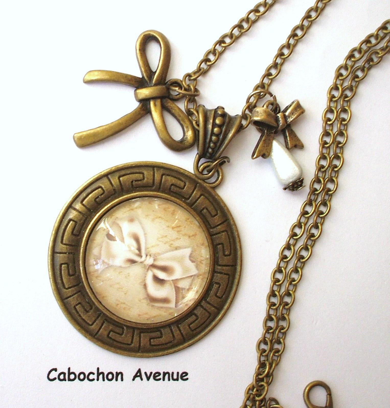 mieux choisir bon ajustement rétro B.4.21 Bijou NOEUD PAPILLON Collier pendentif bijou fantaisie bronze  cabochon verre noeud beige rétro romantique shabby chic (série 1)