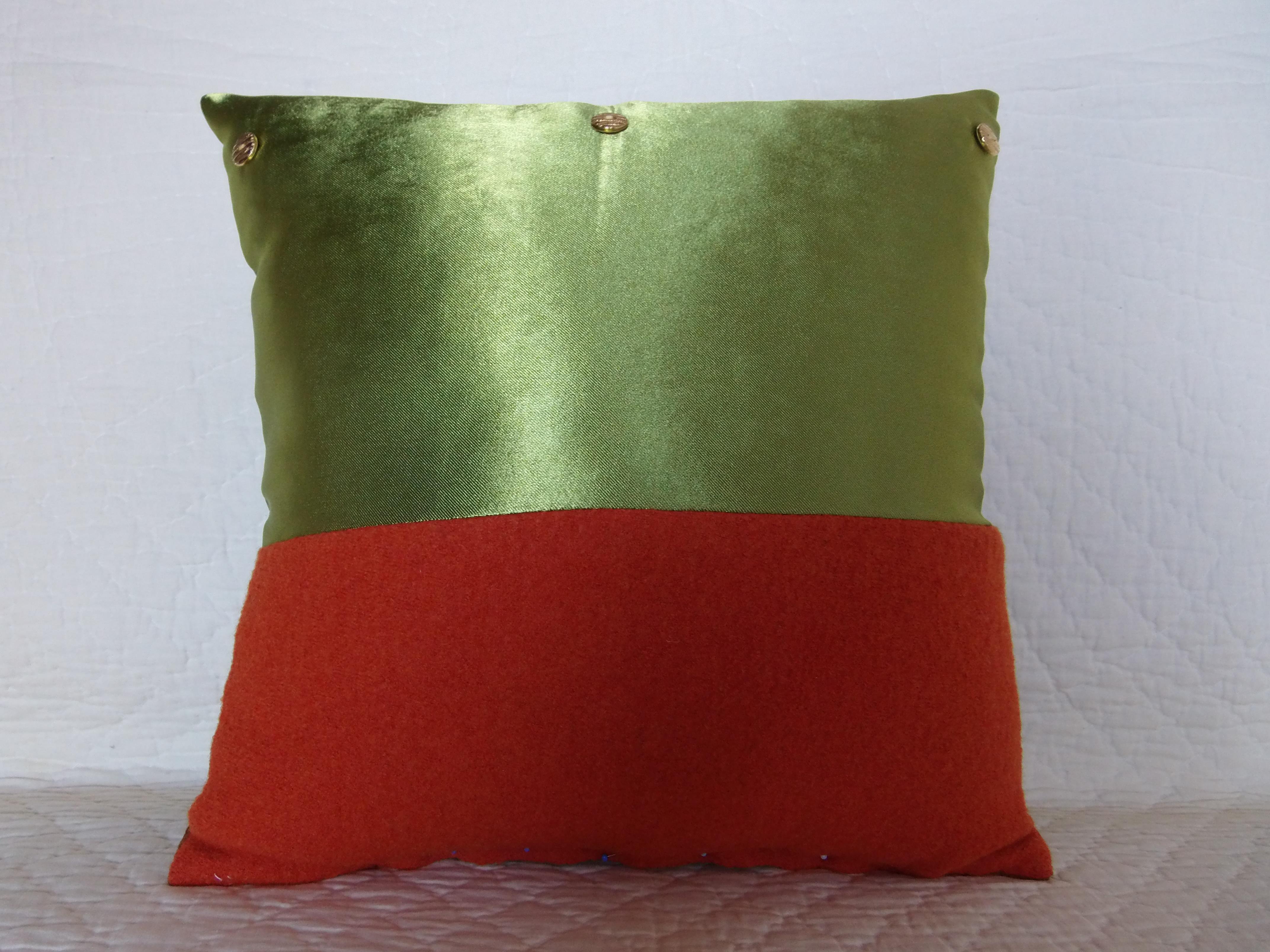 coussin boutons patchwork 40x40 mod le ephedra maison et deco textiles tapis par 22atelier27. Black Bedroom Furniture Sets. Home Design Ideas