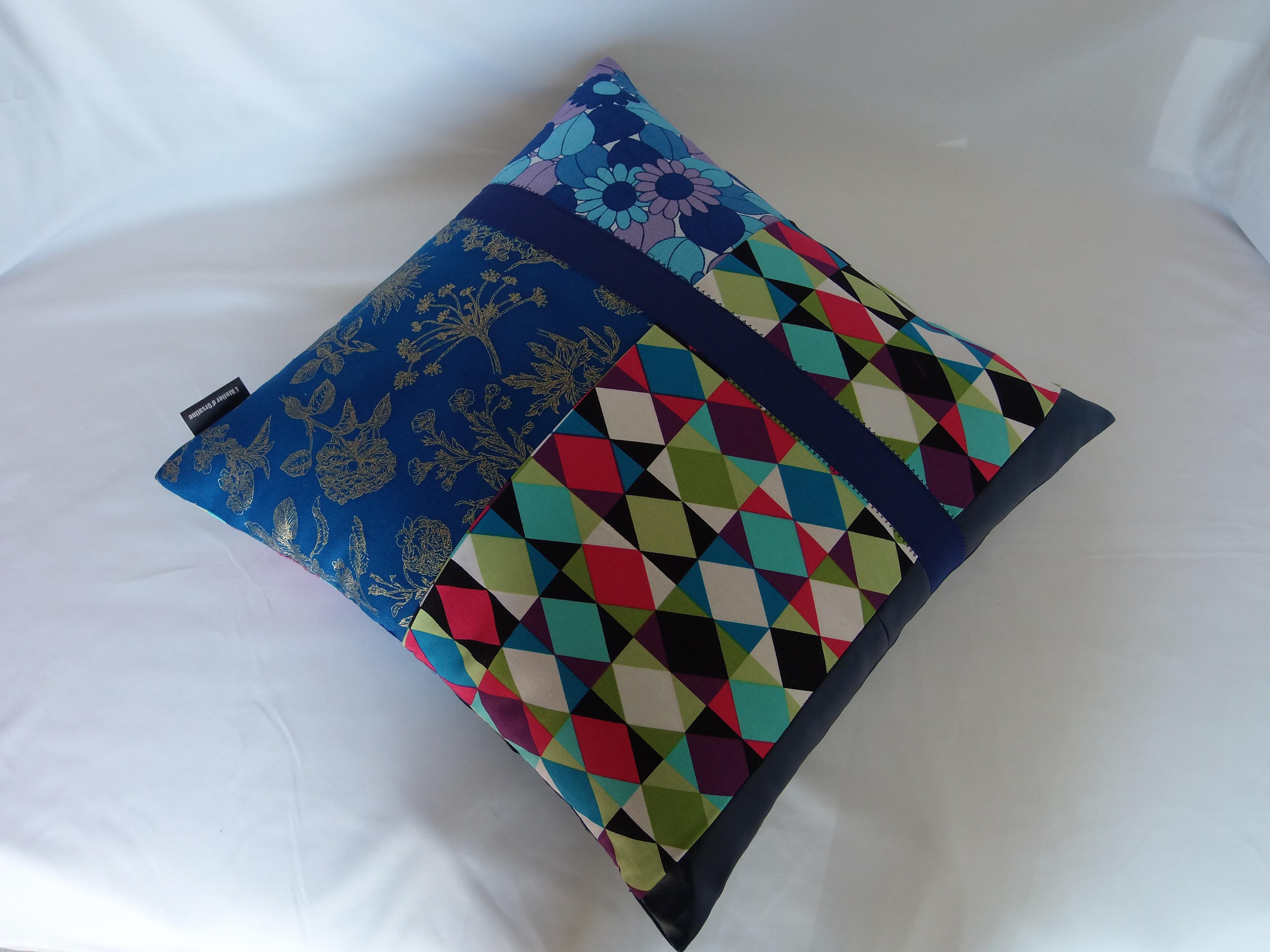 coussin bouton patchwork 40x40 mod le carpobrotus maison et deco textiles tapis par 22atelier27. Black Bedroom Furniture Sets. Home Design Ideas