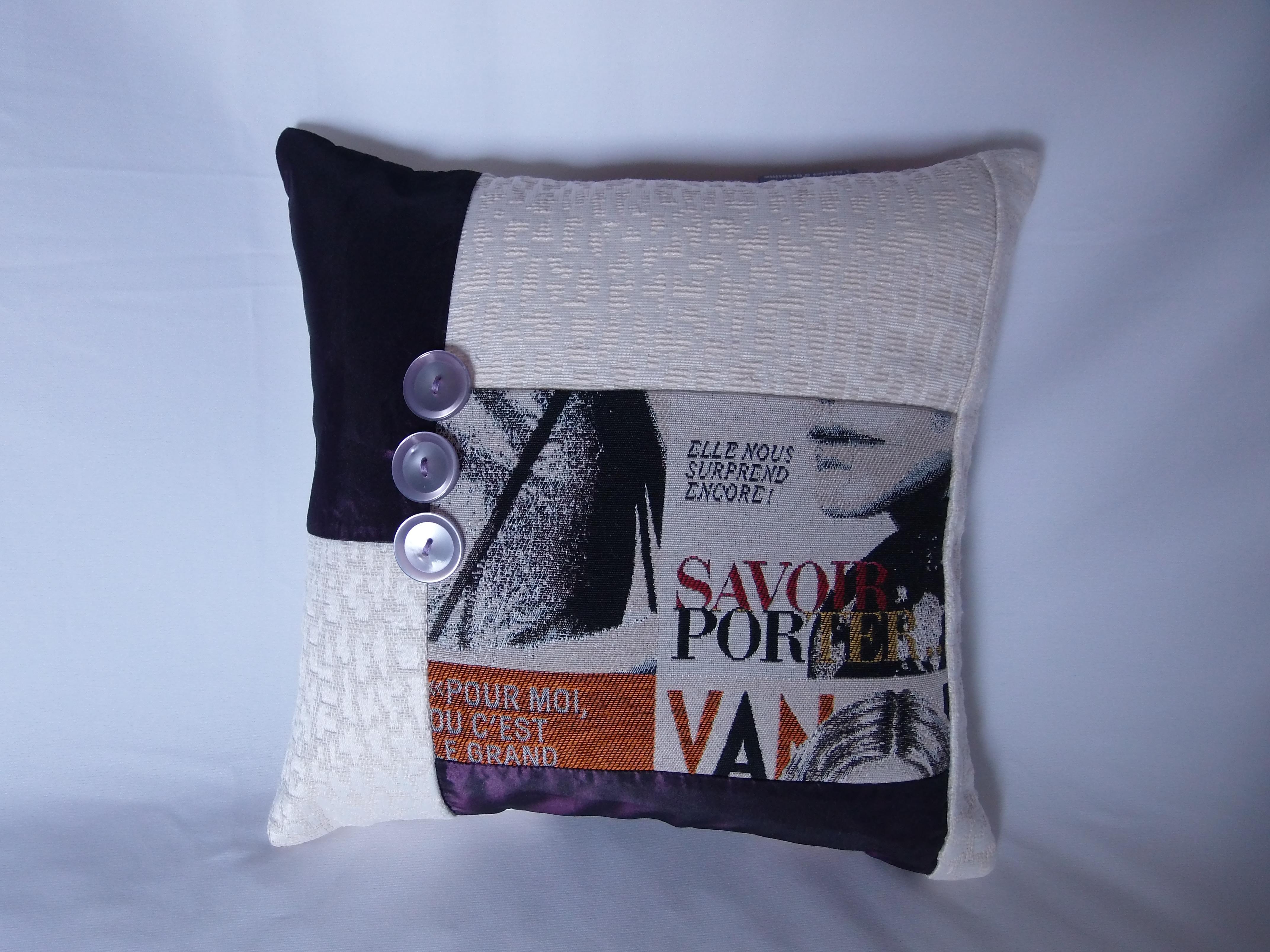 coussin boutons patchwork 30x30 mod le salsola maison et deco textiles tapis par 22atelier27. Black Bedroom Furniture Sets. Home Design Ideas