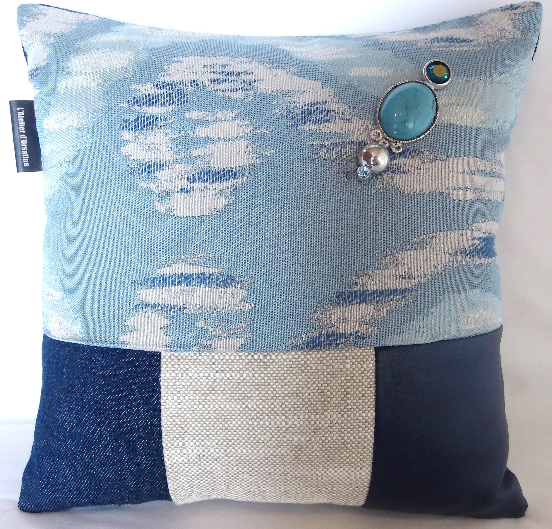 coussin bijoux boutons patchwork 30x30 mod le paeonia officinalis maison et deco textiles. Black Bedroom Furniture Sets. Home Design Ideas