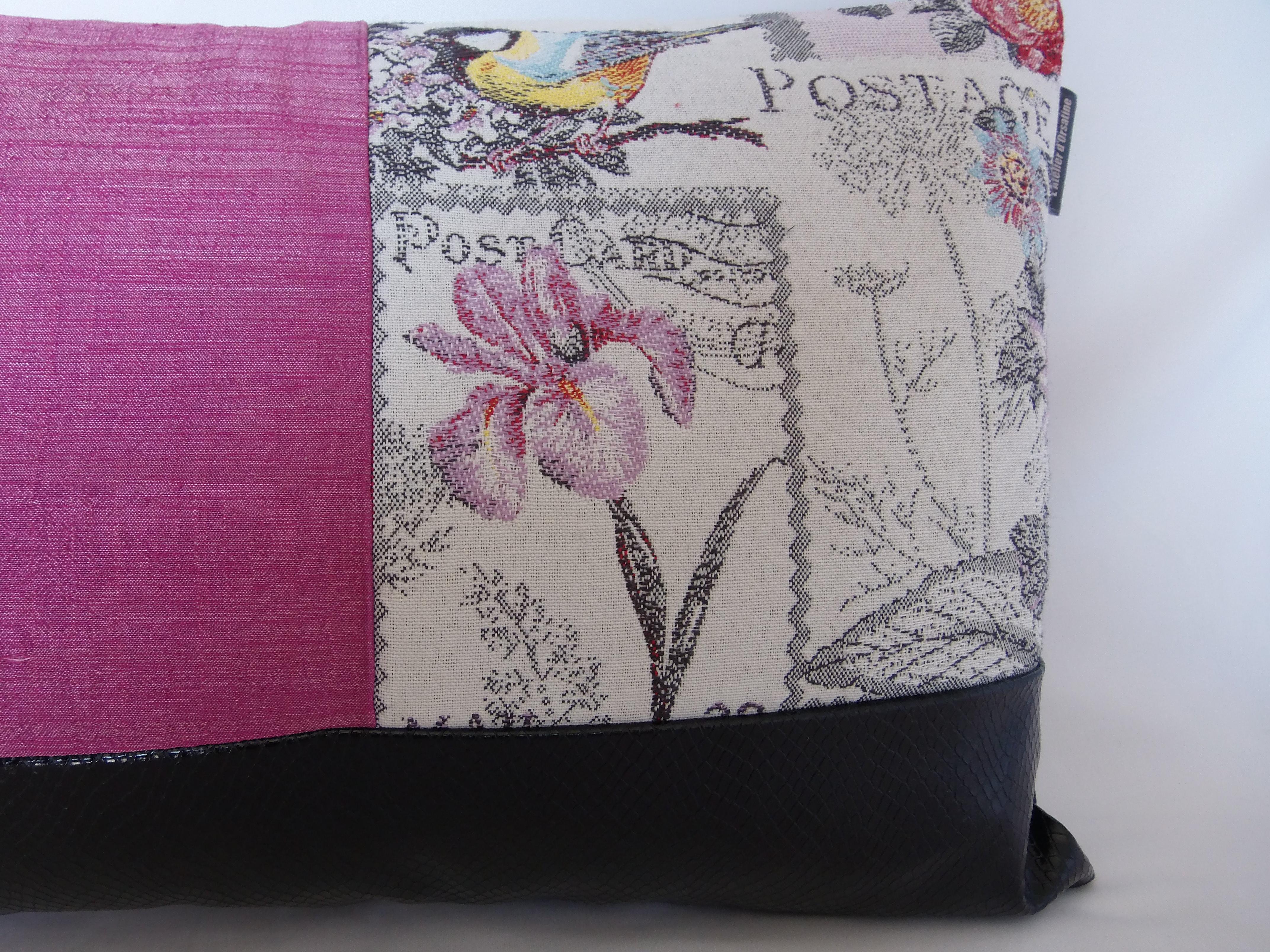 coussin boutons patchwork 30x50 mod le bougainvillea maison et deco textiles tapis par 22atelier27. Black Bedroom Furniture Sets. Home Design Ideas